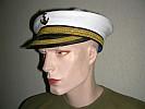 Kopfbedeckungen / Perücken
